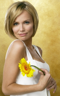https://hotvnews.files.wordpress.com/2008/05/kristin-chenoweth-em-pushing-daisies-t1.jpg